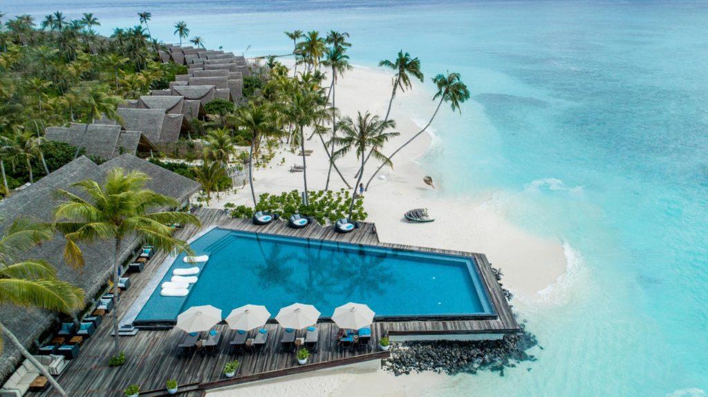 Отели с лучшим домашним рифом на Мальдивах_3